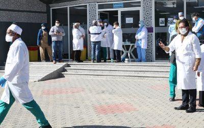 نقابة الأطباء تطالب وزير الصحة بوضع حل نهائي وآني لعقدة الانتقالات
