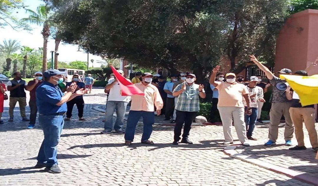 مراكش..عمال كازينو المامونية يحتجون أمام مقر عملهم لهذا السبب